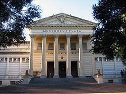 Fachada del Museo de La Plata, entrada principal.